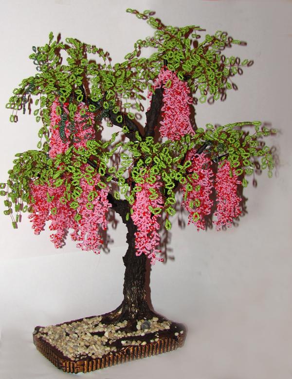 Закрепляем соцветие бисеринкой и двойным узлом.  Для создания дерева. глициния из бисера нам понадобится...