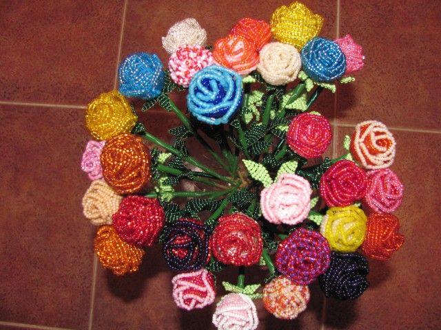 Розы из бисера: мастер-класс