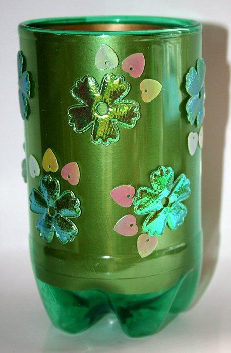 Красивая ваза из бутылки пластиковой