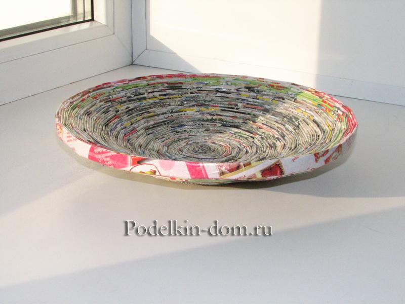 тарелка из газет