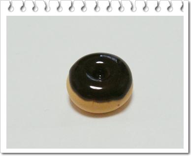 Шоколадный пончик из полимерной глины