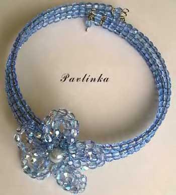 Голубой цветочек из бисера для ожерелья.