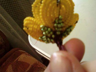 цветочек из бисера