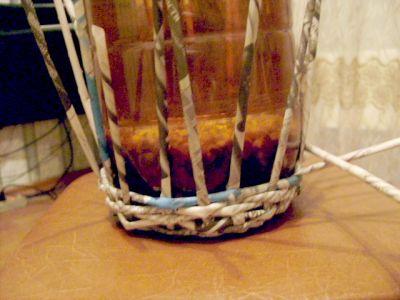 Шкатулка - птица из газетных трубочек