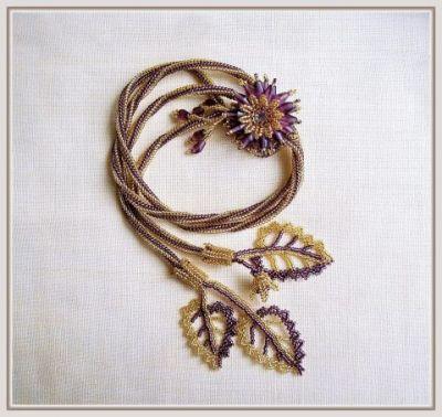 цветочек из бисера и листик из бисера